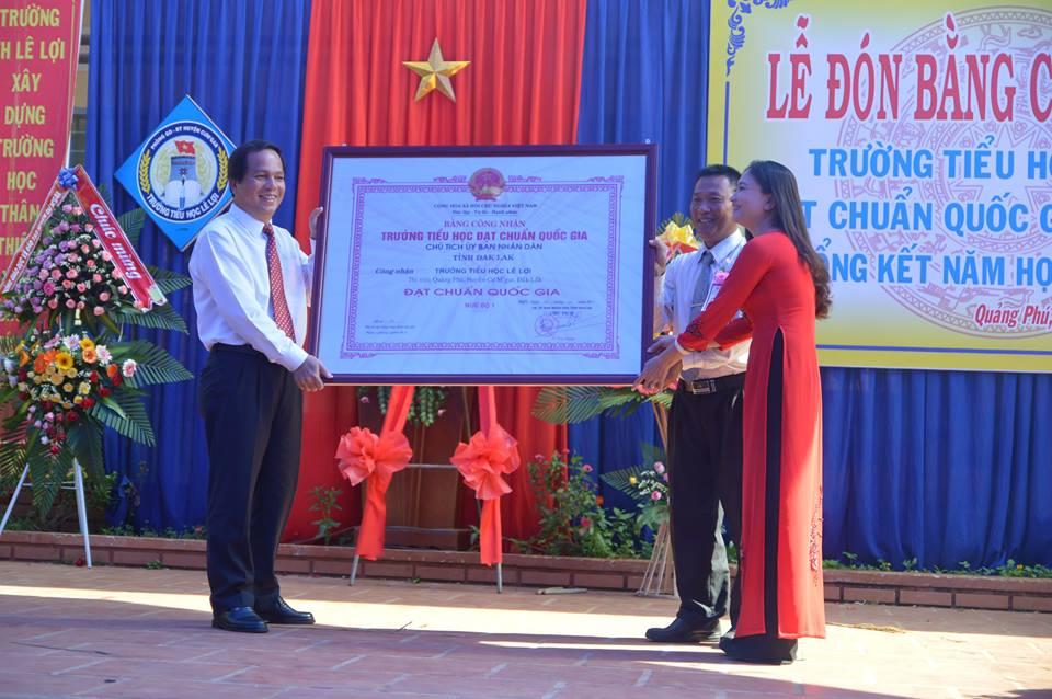 Lễ đón Bằng công nhận trường Tiểu học Lê Lợi đạt chuẩn quốc gia mức độ 1